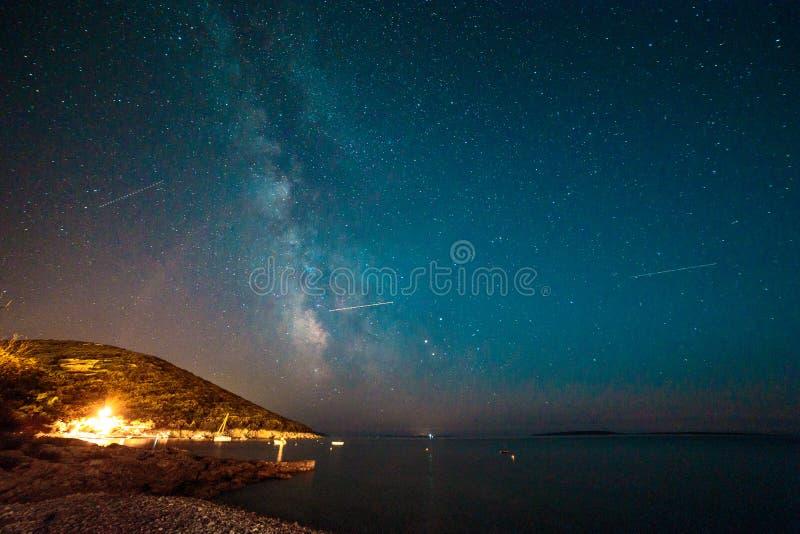 Via Látea no céu da Croácia imagens de stock
