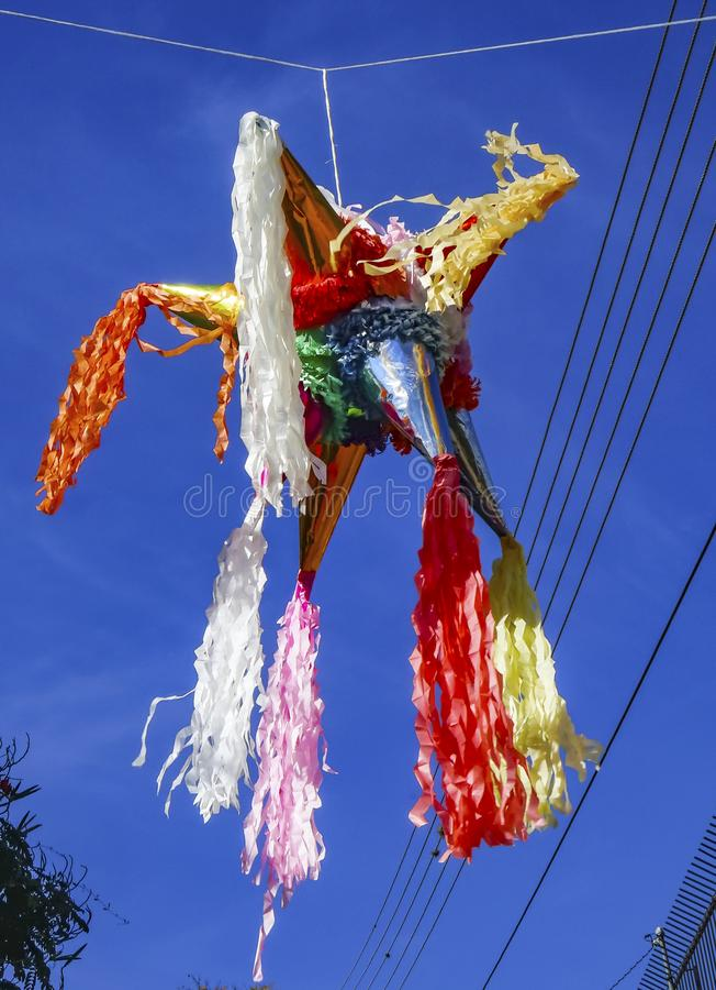 Via messicana variopinta Oaxaca Juarez Messico di Pinata immagine stock