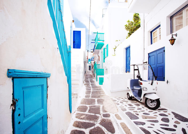 Via in Mykonos, Grecia fotografia stock libera da diritti