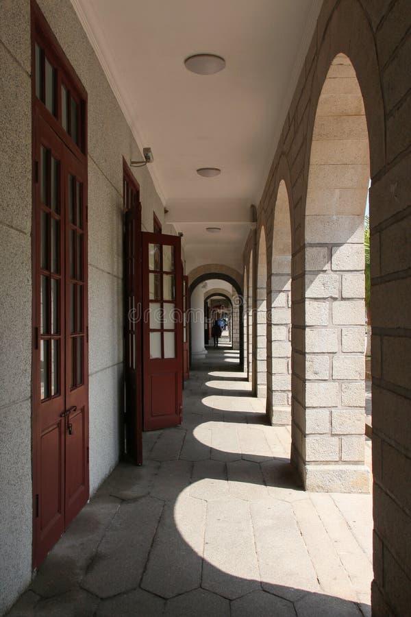Via nel campus universitario di Xiamen, Cina sudorientale fotografia stock