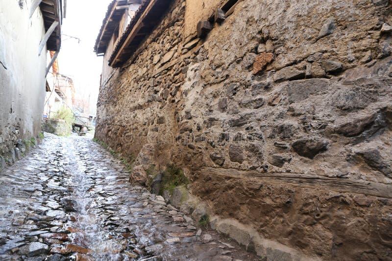 Via nel villaggio di Cumalikizik, Bursa, Turchia fotografia stock libera da diritti