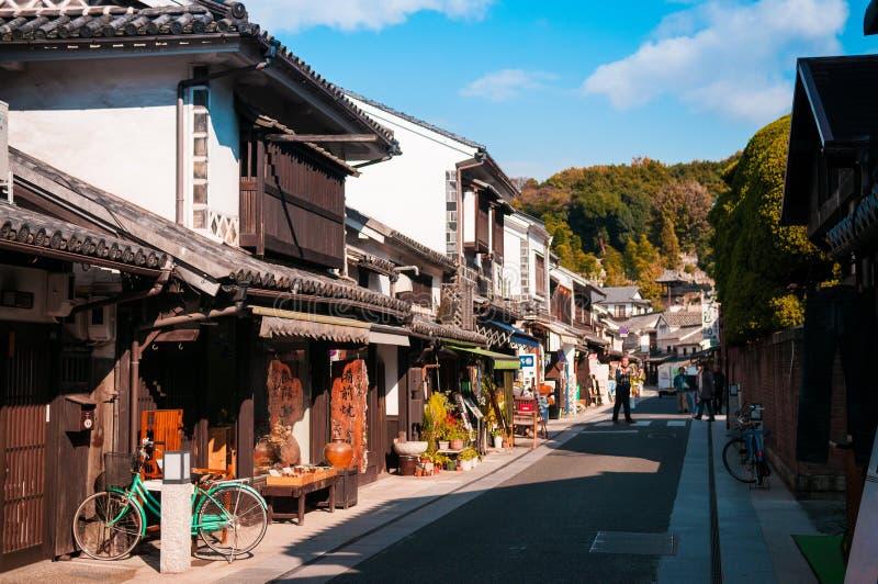 Via nella vecchia città di Kurashiki, Okayama, Giappone immagine stock libera da diritti