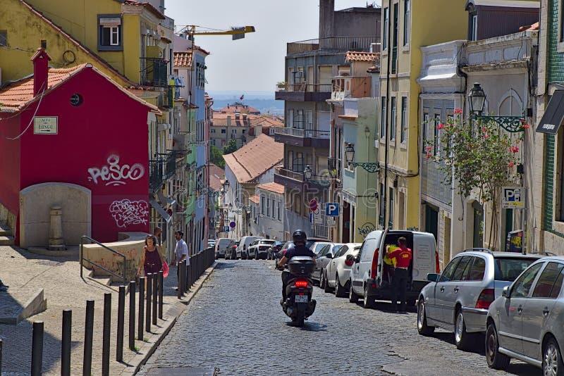 Via pendente a Lisbona fotografia stock
