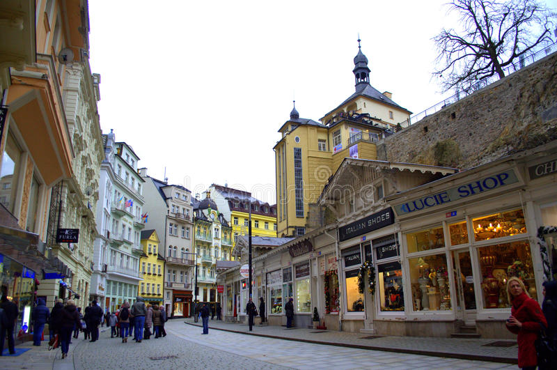Via principale di Karlovy Vary immagini stock libere da diritti