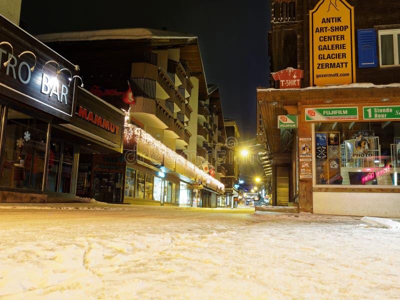 Via principale di Zermatt fotografia stock libera da diritti
