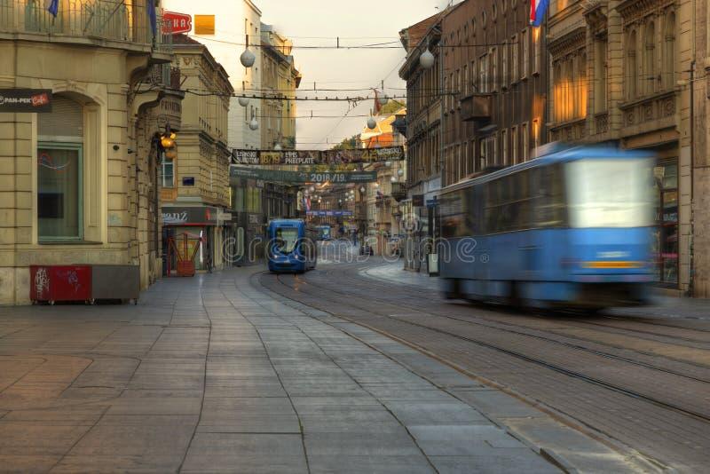 Via principale Ilica a Zagabria fotografia stock