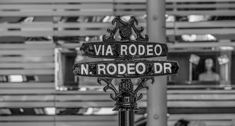 Via rodeogatatecken p? Rodeo Drive i Beverly Hills - KALIFORNIEN USA - MARS 18, 2019 arkivfoto