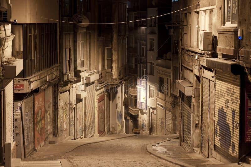 Via scura nella notte, Costantinopoli immagini stock libere da diritti