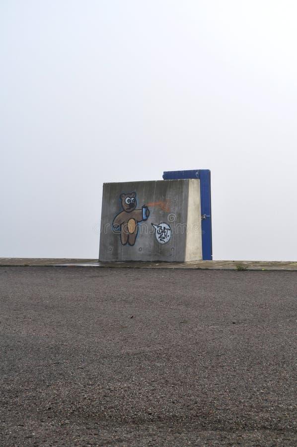 Via spraycan di Kiel Harbour dei graffiti dell'orso di Streetart fotografie stock libere da diritti