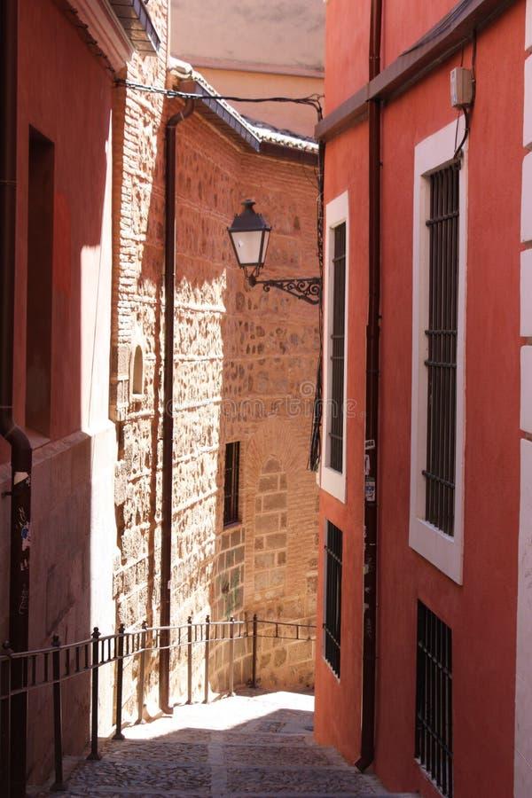 Via stretta a Toledo, Spagna fotografia stock libera da diritti