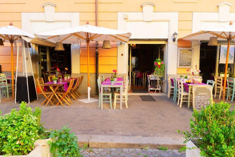 Via in Trastevere, Roma, Italia immagine stock