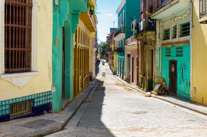 Via variopinta a vecchia Avana immagini stock