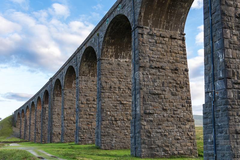 Viadotto di Ribblehead, North Yorkshire, Regno Unito fotografie stock libere da diritti