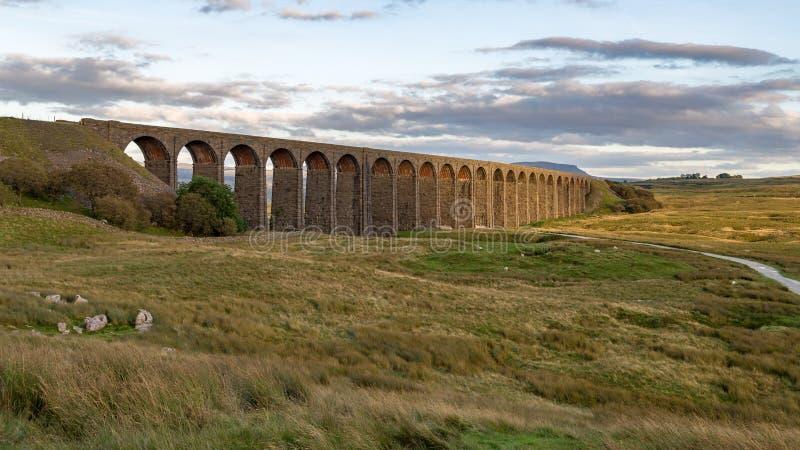 Viadotto di Ribblehead, North Yorkshire, Regno Unito fotografia stock libera da diritti