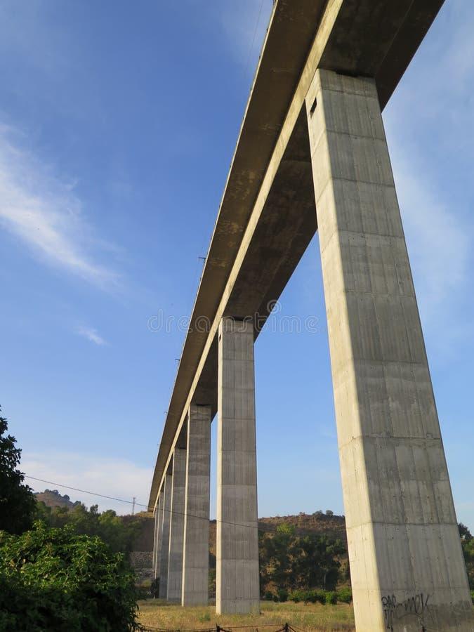 Viadotto ferroviario ad alta velocità fotografia stock