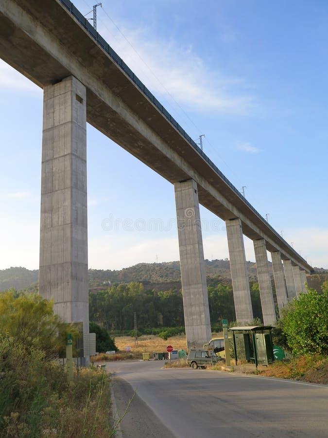 Viadotto ferroviario ad alta velocità fotografia stock libera da diritti