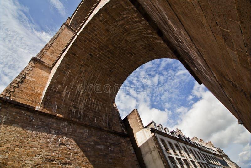 Viadotto medioevale in Morlaix, Francia immagini stock libere da diritti