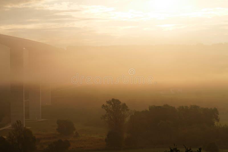 Viaduct bij zonsopgang royalty-vrije stock foto