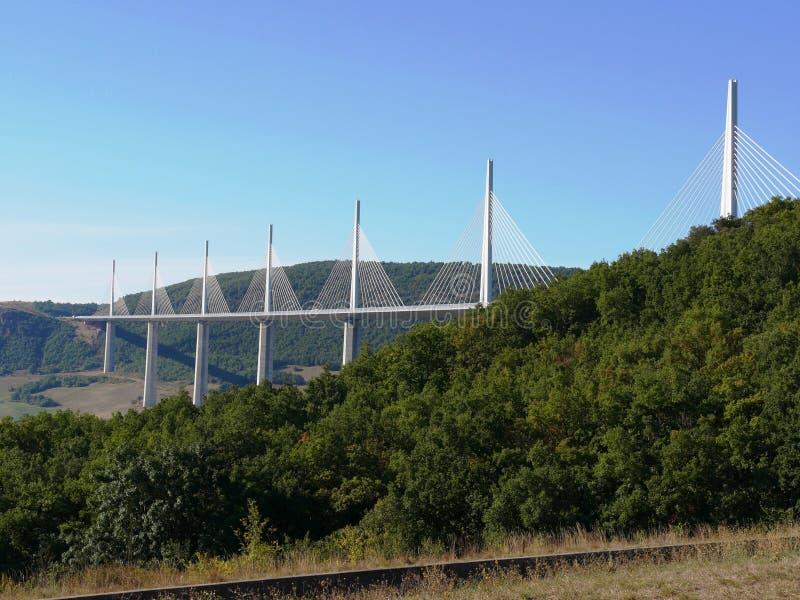 Viaduct of Millau i Aveyron royaltyfri bild