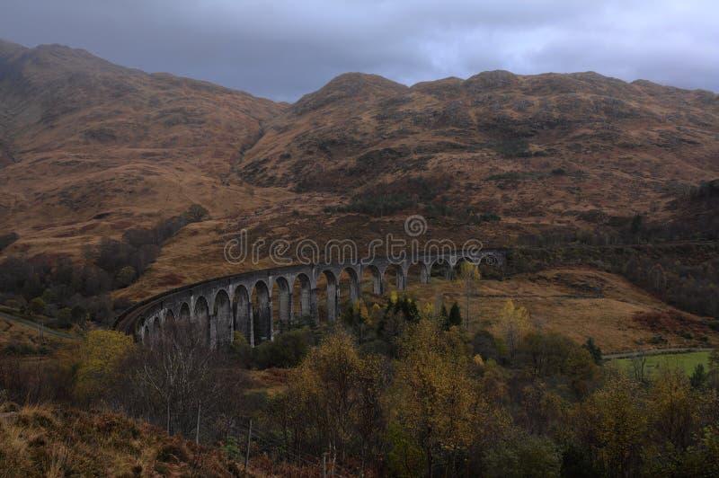 Viaducto de Glenfinnan en otoño imágenes de archivo libres de regalías