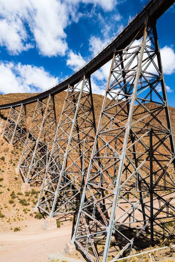 Viaducto de Polvorilla del La, Salta (la Argentina) foto de archivo