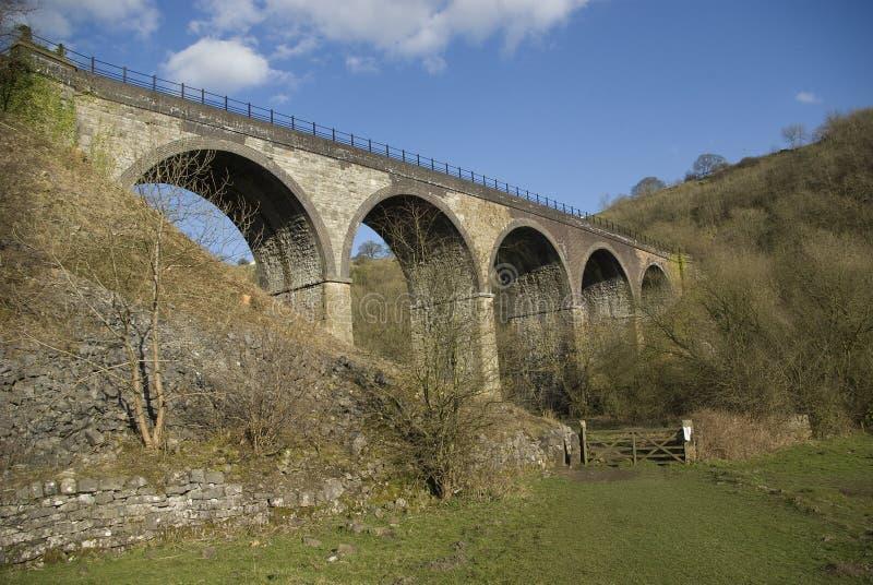 Viaducto en el valle de Monsal imagen de archivo libre de regalías