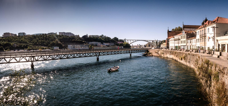 Viaduto do cais das pedras, Porto, Portugal stock foto