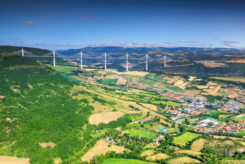 Viaduto espetacular famoso região de Millau, Aveyron, França, Europa fotografia de stock royalty free