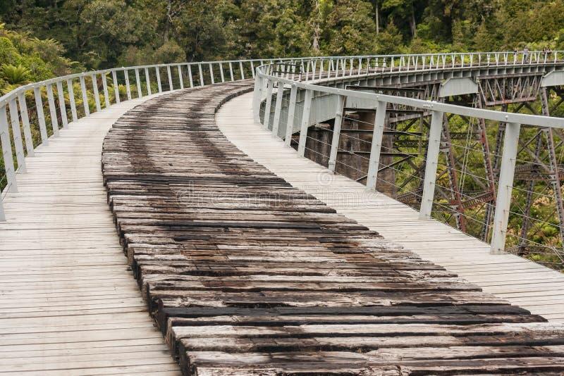 Viaduto histórico do trilho perto de Ohakune imagens de stock royalty free