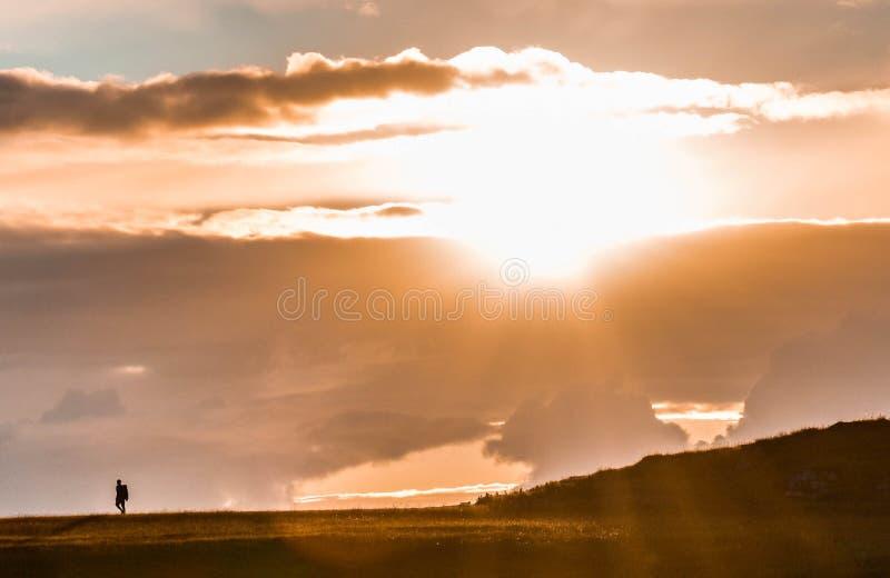 Viagem com o por do sol fotos de stock royalty free