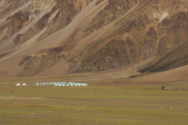 Viagem da estrada entre Manali e Leh em Ladakh, Índia fotos de stock