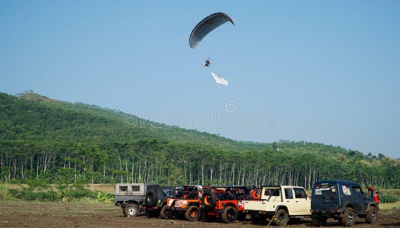 Viagem do parapente de Indon?sia 2019, s?rie 1st-2019, os 25-28 de abril de 2019 no monte de Sikuping, Batang, Java central, Indo fotografia de stock