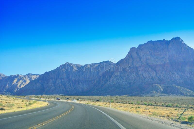 Viagem por estrada através do deserto, Las Vegas, Nevada imagens de stock royalty free
