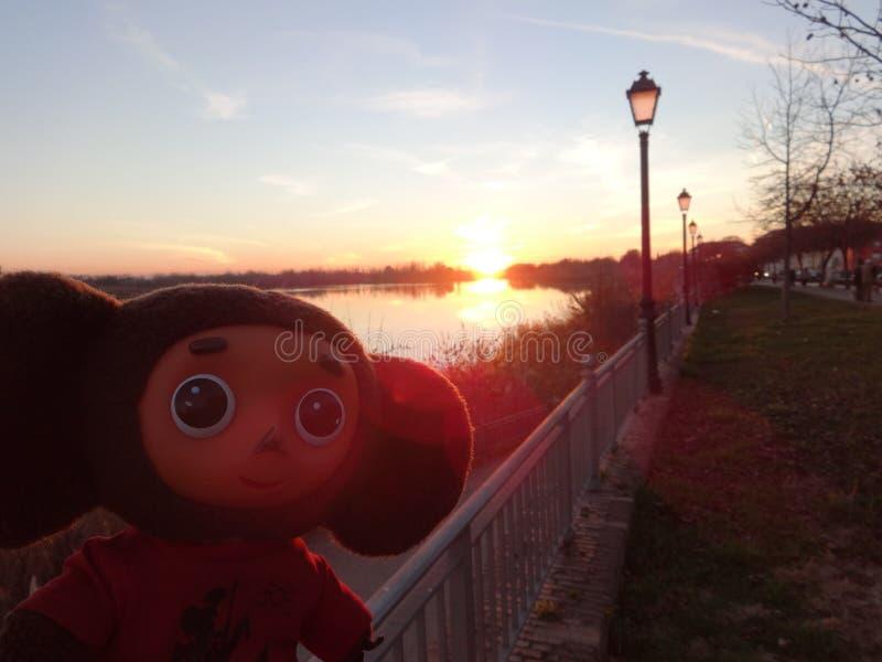 Viagens com a Espanha com Cheburashka imagens de stock royalty free