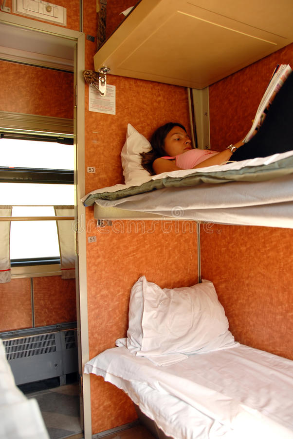 Viaggiando in treno fotografia stock libera da diritti
