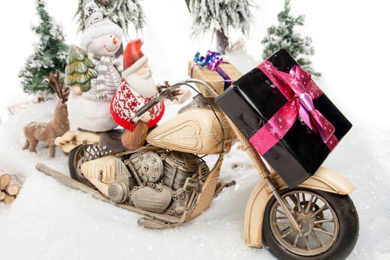 Viaggio del motociclo di Santa Claus illustrazione vettoriale