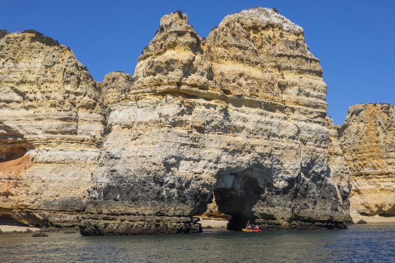 Viaggio della barca nell'Algarve fotografie stock