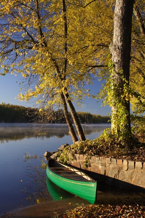Viaggio della canoa alle cadute del Taylor nel Minnesota immagini stock
