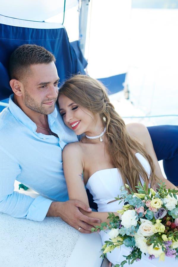 Viaggio delle persone appena sposate immagine stock