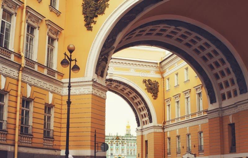 Viaggio di giorno della città di architettura della costruzione di storia diSankt-Pietroburgo fotografia stock libera da diritti