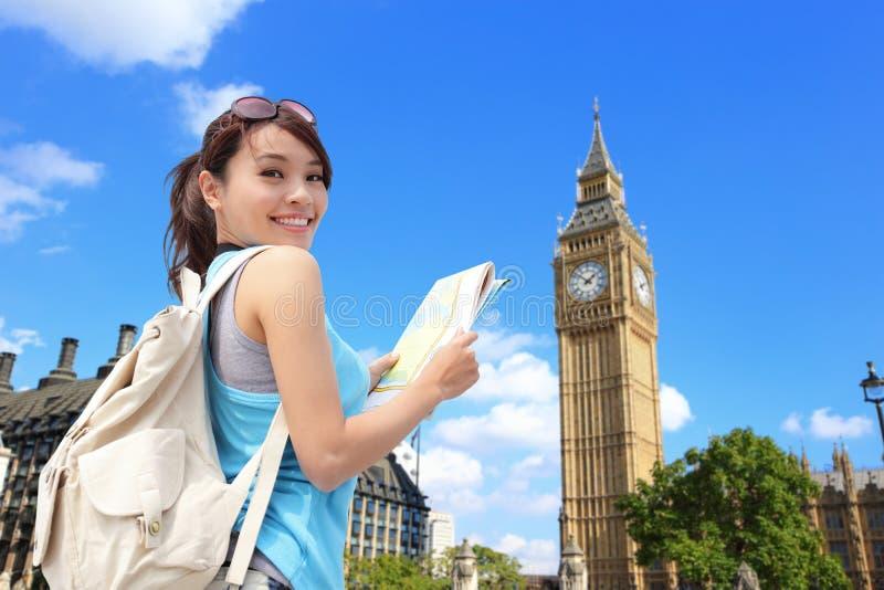 Viaggio felice della donna a Londra fotografia stock libera da diritti