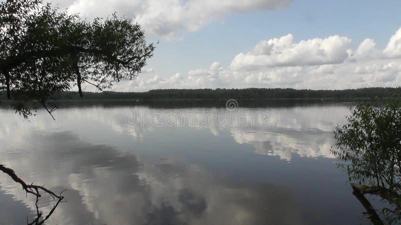 Viaggio sul fiume Volga nella regione di Tver' fotografie stock libere da diritti