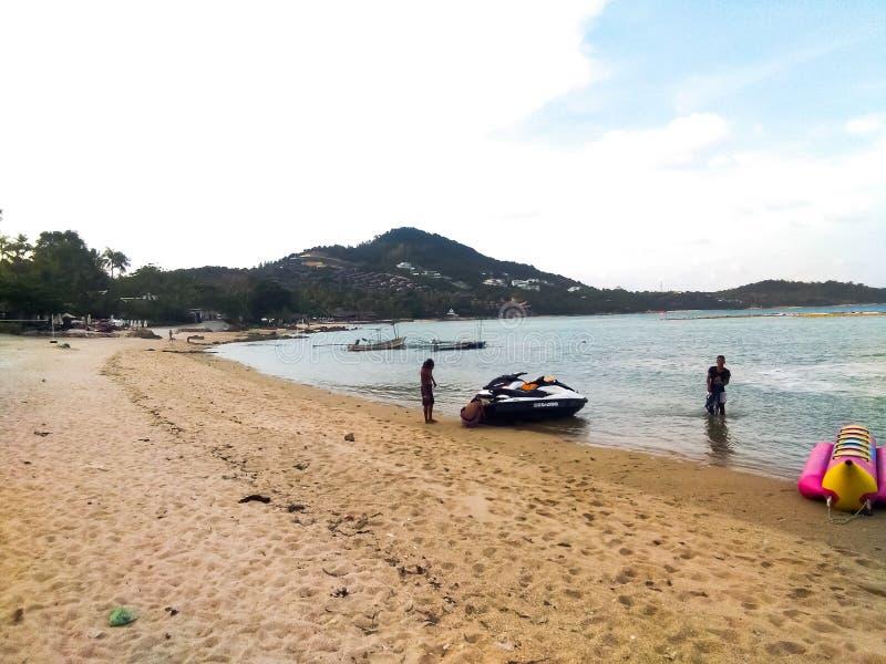 Viajado en el samui del @Koh de la playa en Tailandia fotos de archivo