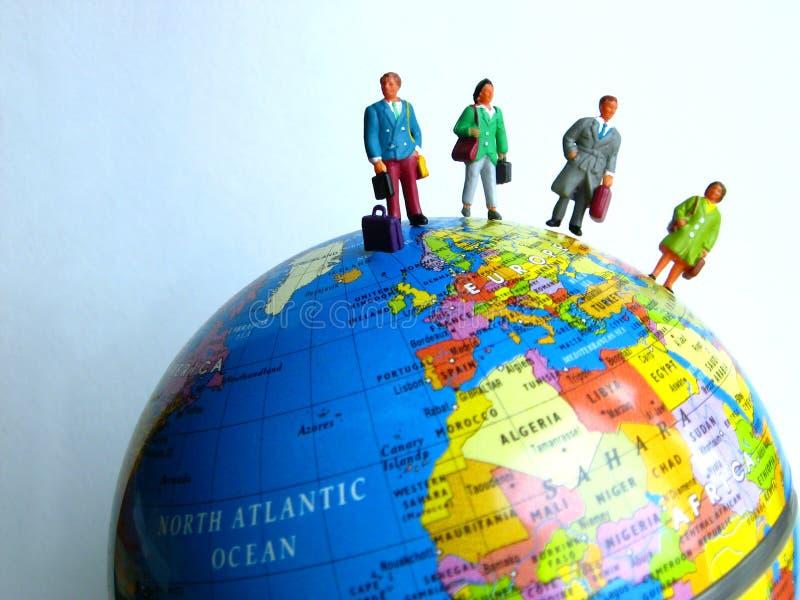 Viajan todos en todo el mundo foto de archivo