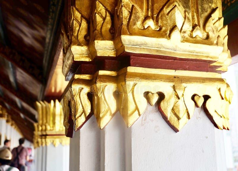 Viajantes na capela de Wat Phra Kaew, Tail?ndia imagem de stock