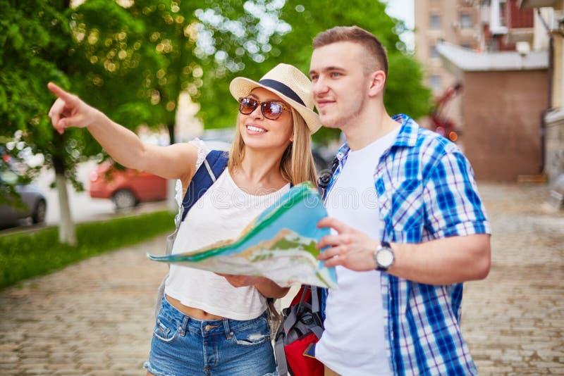 Viajantes na cidade imagem de stock royalty free