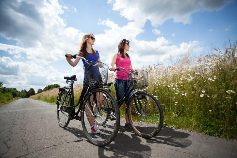 Download Viaje De La Bicicleta Durante Día Soleado Foto de archivo - Imagen de rotura, libre: 42428066
