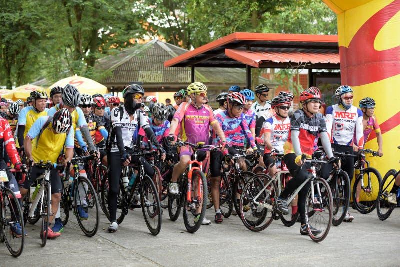 Viaje de la caridad de la raza de bicicleta fotos de archivo