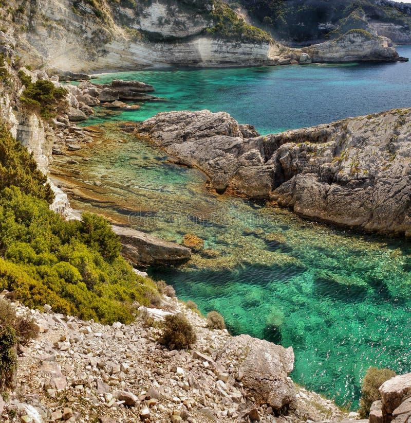 Viaje de la isla de Paxos de la costa costa, Grecia imagen de archivo
