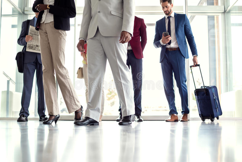 Viaje de los hombres de negocios imagen de archivo libre de regalías